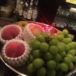 ふくろう - 季節のフルーツ。旬の物をご用意しておりますのでお気軽にお声かけください
