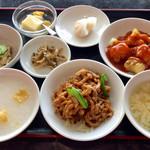Madam Lee - 料理写真:日替りランチ。税込1010円。<2016/12/8>