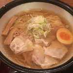 肉そば家 笑梟 - 再訪日:2016.12.08       ワンタン麺