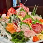 魚がし どまん中 - 豪快盛り ¥2,980