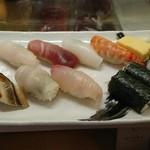 おひげ寿司 - ランチ握り一人前1050円
