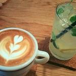 カフェ&ダイナー サンテリア - 美味しいレモネード