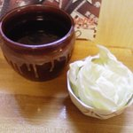 立呑み 龍馬 - サービスのキャベツ。2010.9