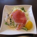 NAOMI - ランチのサラダ