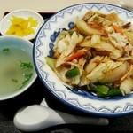 中華菜館かたおか - 中華丼(650円)