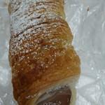 石窯パン工房 エスポワール - チョコクリームのコルネ
