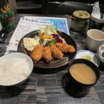 リアン - カキフライ定食1000円(内税)。