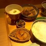 59847813 - 南蛮風の小皿に大根と魚の煮つけ、おぼろ豆腐。