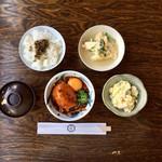 常衛門食堂 - おまかせ定食(950円)