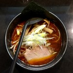 らーめん加茂川 - 黒艶醤油ラーメン790円、3辛プラス150円です。