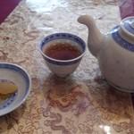 中國料理 聚寳園 - 薫り高いお新香・・・とポットサービスのお茶