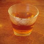 広東海鮮料理 正 - 温かいお茶