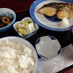 魚料理 ホノルル食堂 - サワラ塩焼き定食 1300円