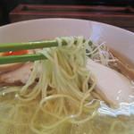麺や金時 - 味玉塩らぁ麺 麺リフト