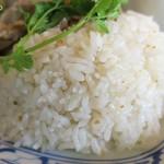 Dee アジアン食材・キッチン - ジャスミンライスもできがいい