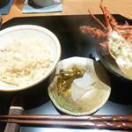 かま田 - 鯛飯と車エビの味噌汁