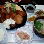 入船 - 海老フライ&チキンカツ定食 ¥1100(税込)