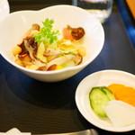 旬穀旬菜カフェ - サラダ・漬物