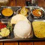 59860397 - Bengal Thali¥2750