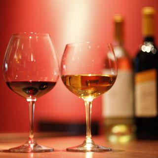 ワインはイタリア産にこだわり北から南まで多種ご用意致します。