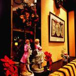 59865069 - クリスマスムードの店内2