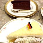 59865071 - ザッハートルテ&チーズケーキ2