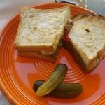 ネイバーフッド アンド コーヒー - プルドポークサンドイッチ