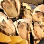 59871363 - 生牡蠣6種の食べ比べ