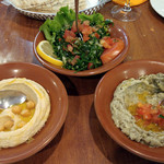 El-Mir  - 料理写真:Taboule, Hommos, Mouttabal