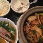 紅虎餃子房 - 中華飯とラーメンのランチセット
