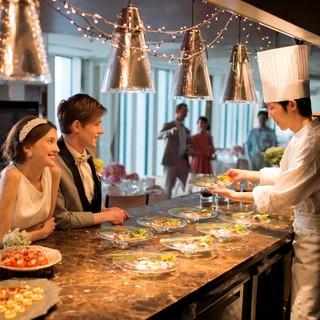 ブライダル会場に併設された、オープンキッチン・レストランー。