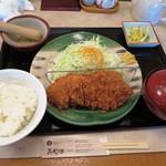 こだわりとんかつ たやま - ロースカツ定食 1,458円(税込)