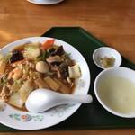 中国四川料理 太陽 - 五目中華丼(885円)