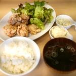 めっちゃ らんまん食堂 - 唐揚げ定食 Aセット(スープ、ポテサラ)、タルタル追加