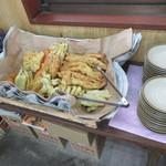 松岡 - たくさんの天ぷら