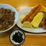 きらく食堂 - 肉丼500円(税込)とエビフライと唐揚げ750円(税込)