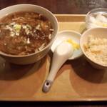 ふかひれ屋 - フカヒレ湯麺セット(790円)