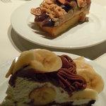 カフェ コムサ - バナナモンブラン系と黒イチジクのモンブラン系のタルト