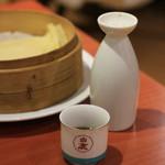 四川食府 - 紹興酒を熱燗でお願いしましたら、こんな風に