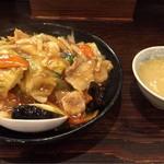 麺飯食堂 ひら匠 - 中華丼とスープ  820円