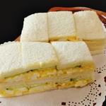 コーヒーショップ ナカタニ - 『玉子サンド』(700円)!! 玉子、キュウリ、塩、マヨネーズだけで作った、オーソドックスな玉子サンド~♪(^o^)丿