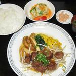 中洲ちんや - サイコロステーキ定食