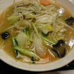 59887343 - 野菜ラーメン(味噌味)880円(税別)