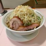 59887959 - ラーメン極太麺 野菜増し