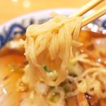 柳の下 末弘軒 - 麺は柔らかめ (・∀・)