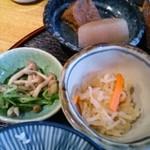 煮炊きや おわん - 小鉢たち