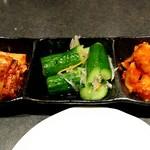 焼肉せんりゅう - キムチ盛り