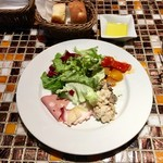 ピッツェリア・アリエッタ - 季節の前菜盛り合わせ(パンは2人分)