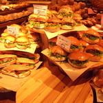 ハートブレッド アンティーク - 料理写真:売り場のエリア