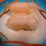 魚々楽寿し - つぶ貝300円